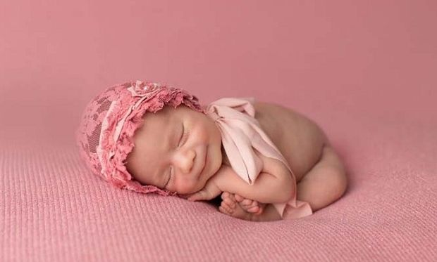 Πόσο τρυφερό: Μωράκια χαμογελούν την ώρα που κοιμούνται (εικόνες)