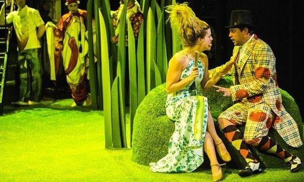 Η Φρουτοπία συνεχίζεται με νέες παραστάσεις στο Θέατρο Παλλάς!