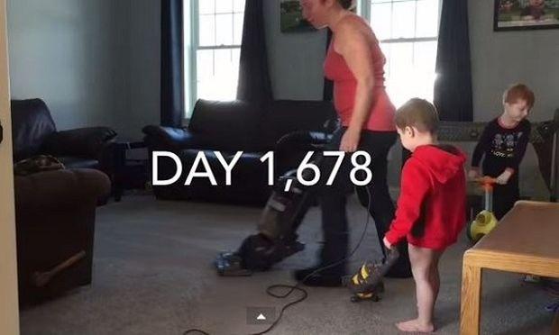 Το βίντεο που αποτυπώνει απόλυτα το πώς είναι να είσαι «μαμά στο σπίτι»!