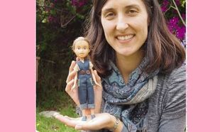 Πανέμορφο! Αυτή η μαμά έκανε τις κούκλες της κόρης της να μοιάζουν με κανονικές γυναίκες! (εικόνες)