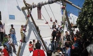 Τα πιο περίεργα έθιμα του Πασχα (εικόνες και βίντεο)