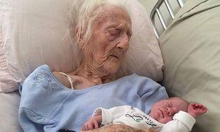Γιαγιά 101 ετών, γνωρίζει τη νεογέννητη τρισέγγονή της λίγο πριν κλείσει τα μάτια της!(εικόνες)