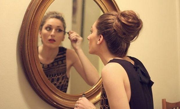 Ένα βίντεο αποκλειστικά για γυναίκες πριν τη βραδινή τους έξοδο που θα σας θυμίσει…εσάς! (βίντεο)