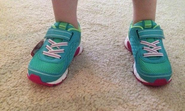 «Πώς επιλέγω τα σωστά παιδικά παπούτσια για το παιδί μου;»