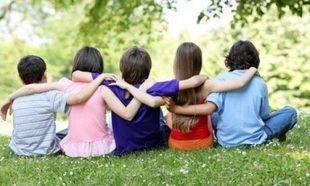 Πώς να βοηθήσουμε το παιδί μας να κάνει φίλους!