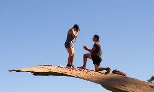 Εσείς μέχρι που θα φτάνατε για μια πρόταση γάμου; Δείτε τι έκαναν αυτοί οι άνδρες! (εικόνες)