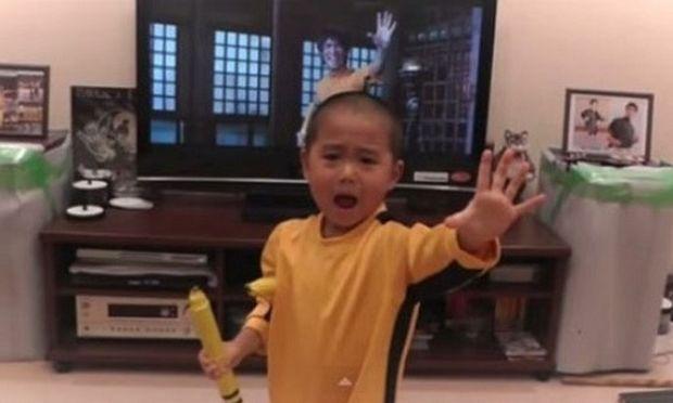 Υπέροχος: Δείτε τι κάνει αυτός ο 5χρονος κι έγινε viral! (βίντεο)