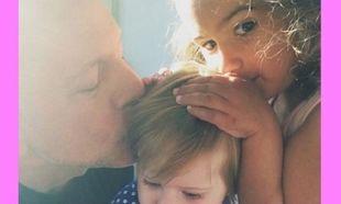 Μπρους Γουίλις: Ο πιο τρυφερός μπαμπάς! Δείτε τον με τη μικρή του κόρη στα πρώτα της γενέθλια! (εικόνα)