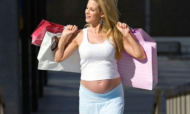 Αυτά είναι τα ρούχα που πρέπει να επιλέξετε αν είστε έγκυος