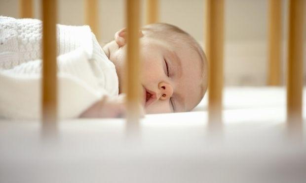 Οδηγός επιβίωσης για νέες μαμάδες: Πώς πρέπει να κοιμάται ένα νεογέννητο!