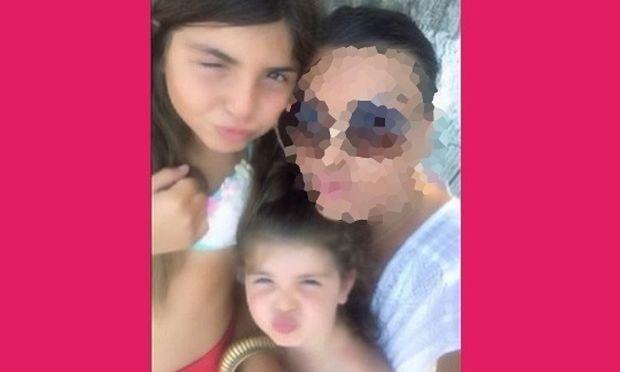 Μα πόσο μεγάλωσαν! Αυτές είναι οι κόρες διάσημης ελληνίδας ηθοποιού! Πάει κάπου το μυαλό σας; (εικόνα)
