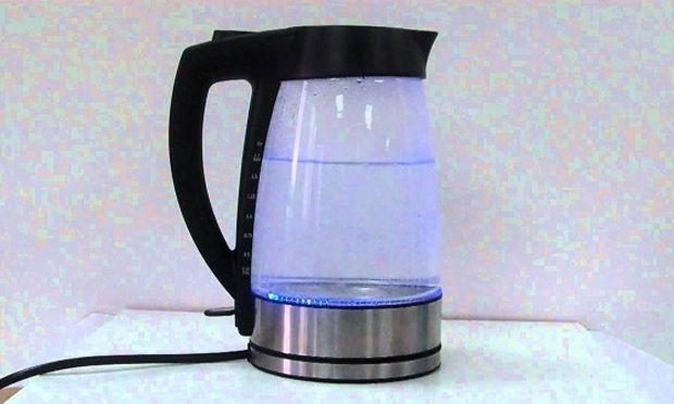 Αυτός είναι ο πιο εύκολος τρόπος για να καθαρίσετε το βραστήρα νερού από τα άλατα!