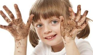 Πόσα μικρόβια κρύβονται στην παλάμη ενός παιδιού; Θα σοκαριστείτε! (εικόνες)