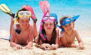 Τι κινδύνους κρύβει το καλοκαίρι για το παιδί μας και πώς θα το προστατεύσουμε;