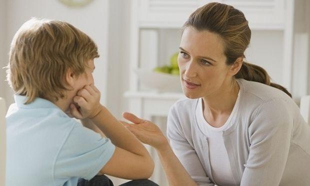Πώς θα εξηγήσετε στα παιδιά γιατί καθόμαστε σε ουρές ΑΤΜ και σούπερ μάρκετ!
