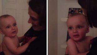 Δείτε πώς αντέδρασε ένα μωρό όταν είδε τη δίδυμη αδελφή της μητέρας του! Θα ξεκαρδιστείτε (βίντεο)