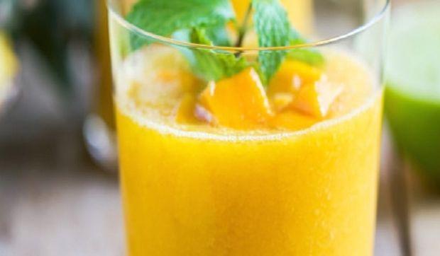 Smoothie μάνγκο – λάιμ – πορτοκάλι