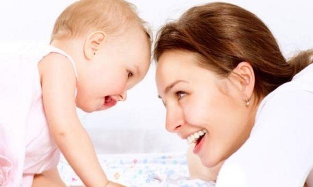 Γιατί όλοι οι γονείς λέτε, «ατα», «μαμ» και «νάνι»;