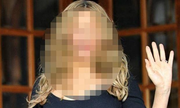Διάσημη τραγουδίστρια, τρύπησε τα αυτιά της 4χρονης κόρης της και το ανακοίνωσε με μια φωτογραφία! (εικόνα)