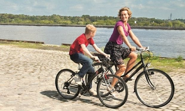 Ποδήλατο και παιδί: Αυτοί είναι οι «χρυσοί» κανόνες για την ασφάλειά του