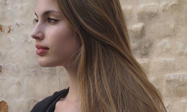 Ανοίξτε το χρώμα των μαλλιών σας φυσικά με δύο υλικά βρίσκονται σε κάθε σπίτι!