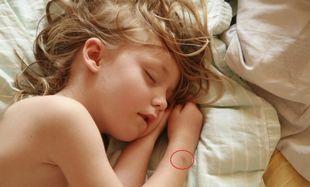 Προστατέψτε τα μωρά από τα κουνούπια! Δείτε πώς