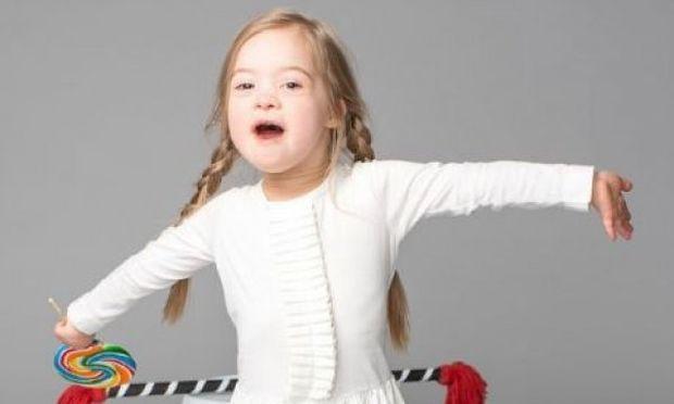 Αυτή η back-to-school καμπάνια με το 4χρονο κοριτσάκι που έχει σύνδρομο Down έγινε viral
