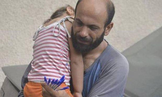 Η συνταρακτική ιστορία ενός πρόσφυγα μέσα από ένα φωτογραφικό καρέ (photos)