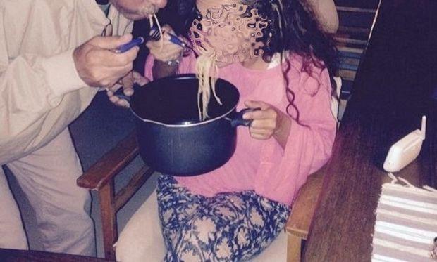 Γνωστή Ελληνίδα ηθοποιός, τρώει μέσα από την κατσαρόλα μακαρόνια μαζί με τον μαιευτήρα της! (εικόνα)