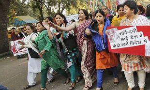 Ινδία: Καταδίκασαν σε βιασμό δύο κορίτσια γιατί ο αδερφός τους κλέφτηκε με παντρεμένη