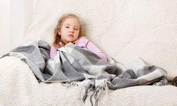 Γαστρεντερίτιδα στα παιδιά: Τι είναι, τι να προσέξετε και πώς θα αναρρώσει γρήγορα ένα παιδί