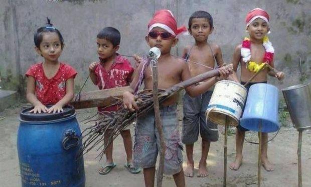 Δείτε το σούπερ νεανικό μουσικό συγκρότημα της χρονιάς