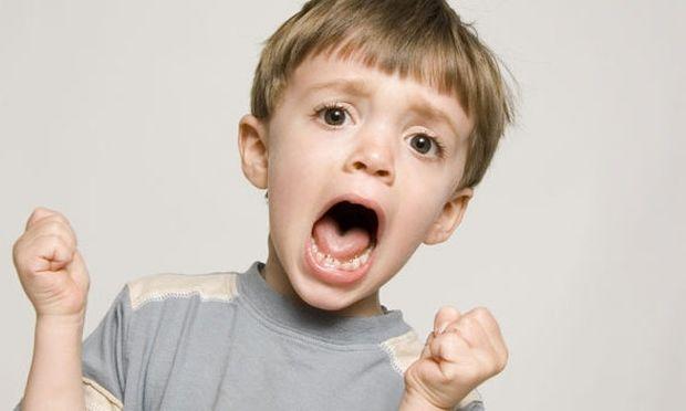 Δείτε πώς μπορείτε να αντιμετωπίσετε την γκρίνια του παιδιού σας