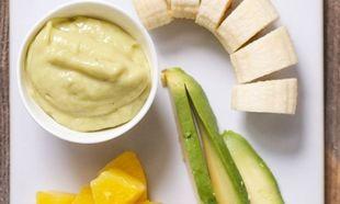 Φαγητό για μωρά: Νόστιμη φρουτόκρεμα με μπανάνα, αβοκάντο και ανανά