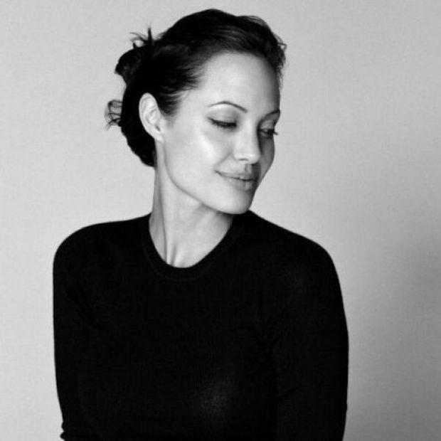 Πωλείται το σπίτι που μεγάλωσε η Angelina Jolie. Δείτε το!