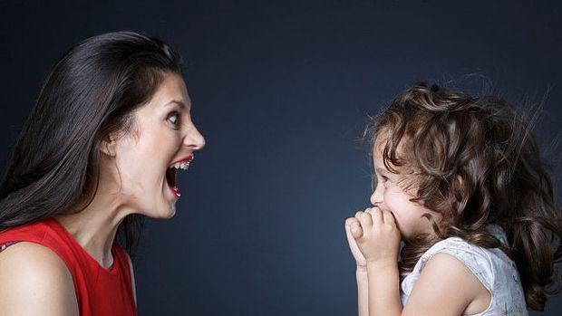 Γιατί δεν πρέπει να φωνάζουμε στα παιδιά μας για να τους επιβληθούμε