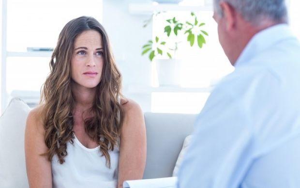Αυξάνεται ο καρκίνος του τραχήλου της μήτρας σε νέες γυναίκες - Συμπτώματα και αντιμετώπιση