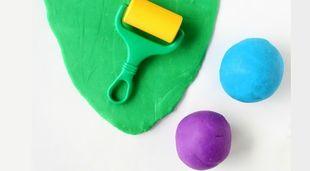 DIY: Εύκολη ζύμη πλαστελίνης. Φτιάξτε τη σε 5 λεπτά! (εικόνες και βίντεο)