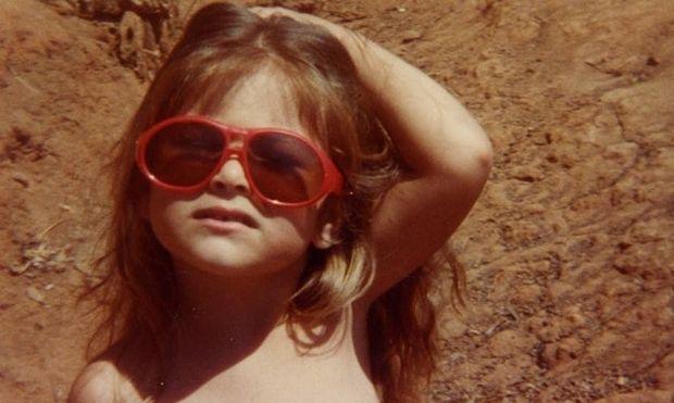 Ποια γνωστή Ελληνίδα δημοσιογράφος-παρουσιάστρια είναι το κοριτσάκι της φωτογραφίας; (εικόνες)