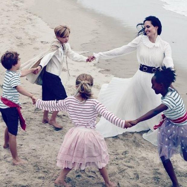 Σύσσωμη, η πιο λαμπερή οικογένεια του Hollywood φωτογραφίζεται για τη Vogue!