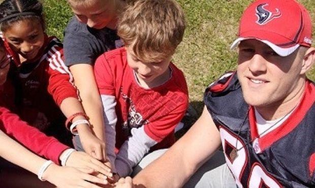 Δείτε τι έκπληξη επιφύλαξε ποδοσφαιριστής σε παιδιά που νοσηλεύονται σε νοσοκομείο
