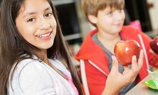 10 τρόποι για να τρώει το παιδί σας περισσότερα φρούτα & λαχανικά