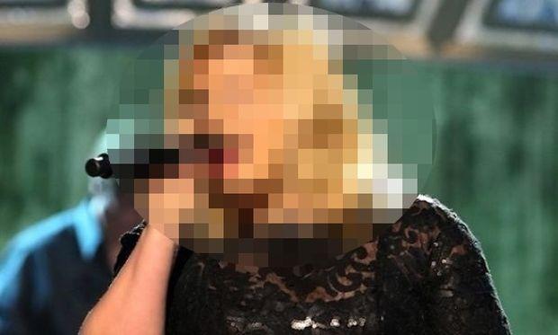 Ποια γνωστή τραγουδίστρια αποκάλυψε το φύλο του παιδιού που περιμένει