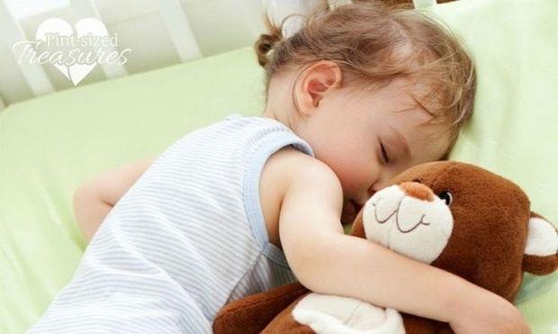 Με αυτό το μυστικό θα καταφέρετε να βάλετε το παιδί σας για ύπνο