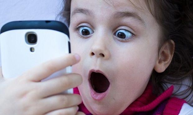 Ποιες φωτογραφίες των παιδιών σας δεν πρέπει να δημοσιεύετε στα social media