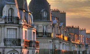Οι σοφίτες του Παρισιού: Ομορφιά κρυμμένη στα ψηλά μπαλκόνια και τις στέγες της πόλης του Φωτός