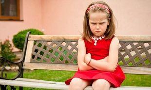 Πεισμώνει το παιδί σας συνέχεια; Δείτε πώς θα το αντιμετωπίσετε