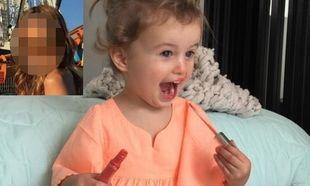 Η 1,5 έτους κόρη της έχει εθισμό στα lip gloss και τα μανό! (εικόνες)