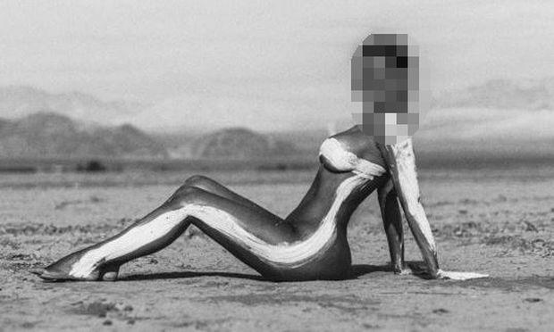 Διάσημη μαμά που είναι πάλι έγκυος ποστάρει τις πιο σέξι φωτογραφίες της... ολόγυμνη!