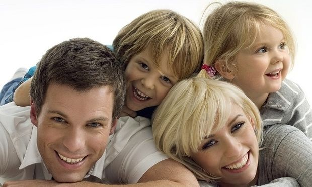 Επανακαθορίζεται η άδεια φροντίδας παιδιού-Θα την παίρνει και ο πατέρας